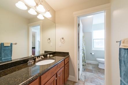 1858_e_seven_oaks_ln_MLS_HID1094324_ROOMbathroom3