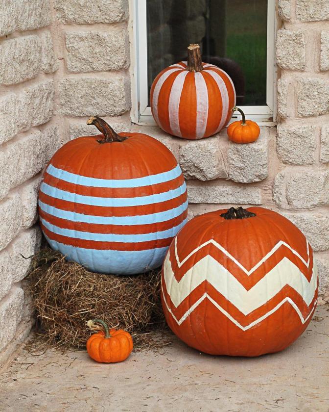 original_graphic-stiped-pumpkins-jpg-rend-hgtvcom-966-1208